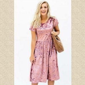 Romantic velvet dress baby pink